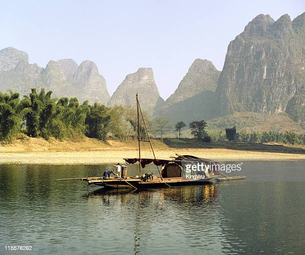 fishermen on li river - local landmark stock pictures, royalty-free photos & images