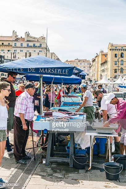 fishermen sells fresh fish at old port of marseille - pjphoto69 stock pictures, royalty-free photos & images