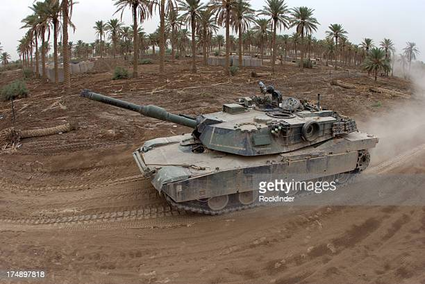 fisheye tank - m1 abrams stock pictures, royalty-free photos & images
