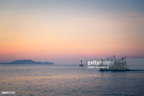 fishing boat at dawn - chanthaburi sea stock pictures, royalty-free photos & images