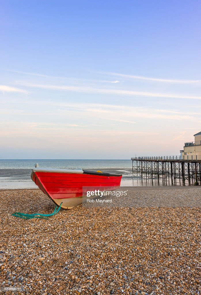Fishing boat on the beach, Bognor Regis : Foto stock