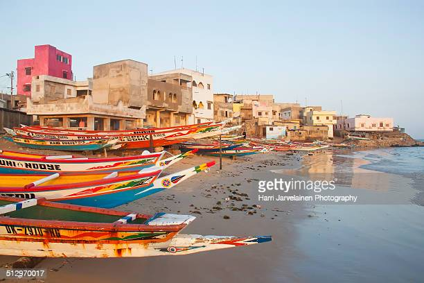 fishing boats on place n'gor,dakar, senegal - senegal fotografías e imágenes de stock