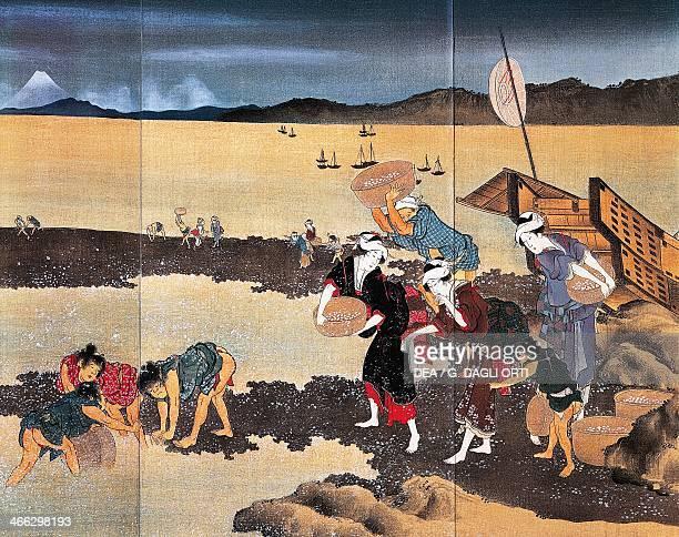Fishing for sea shells ukiyoe by Katsushika Hokusai detail of an emaki Edo Period 18th19th Japan