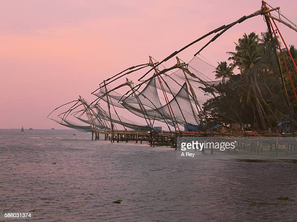 fishing nets, kochin - kochi india stock pictures, royalty-free photos & images