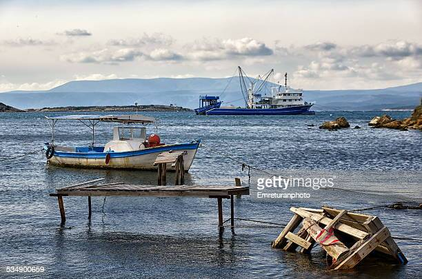 fishing shelter at sigacik bay - emreturanphoto bildbanksfoton och bilder