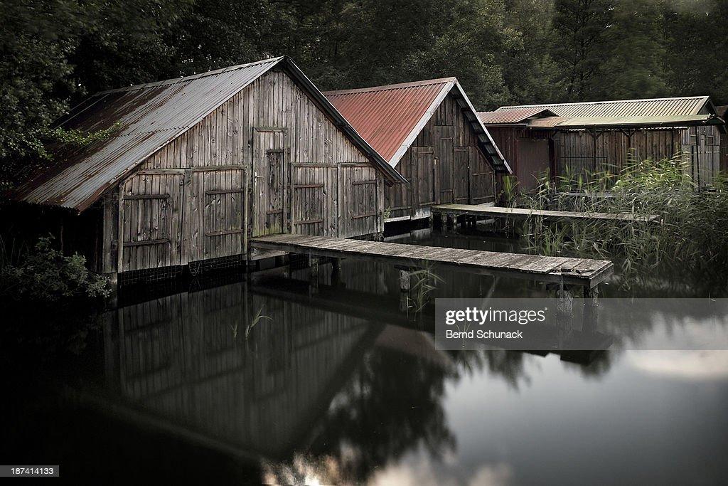 Fishing village at a lake : Stock-Foto