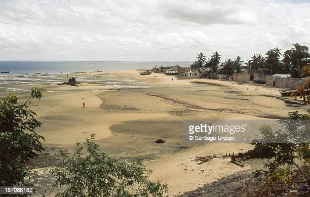 fishing village in island of mozambique - nampula province stock pictures, royalty-free photos & images