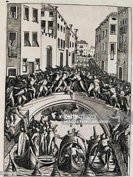Fistfight on a bridge Habiti of uomeni et Venetian women Giacomo Franco Italy 17th century Venice Museo Correr Biblioteca