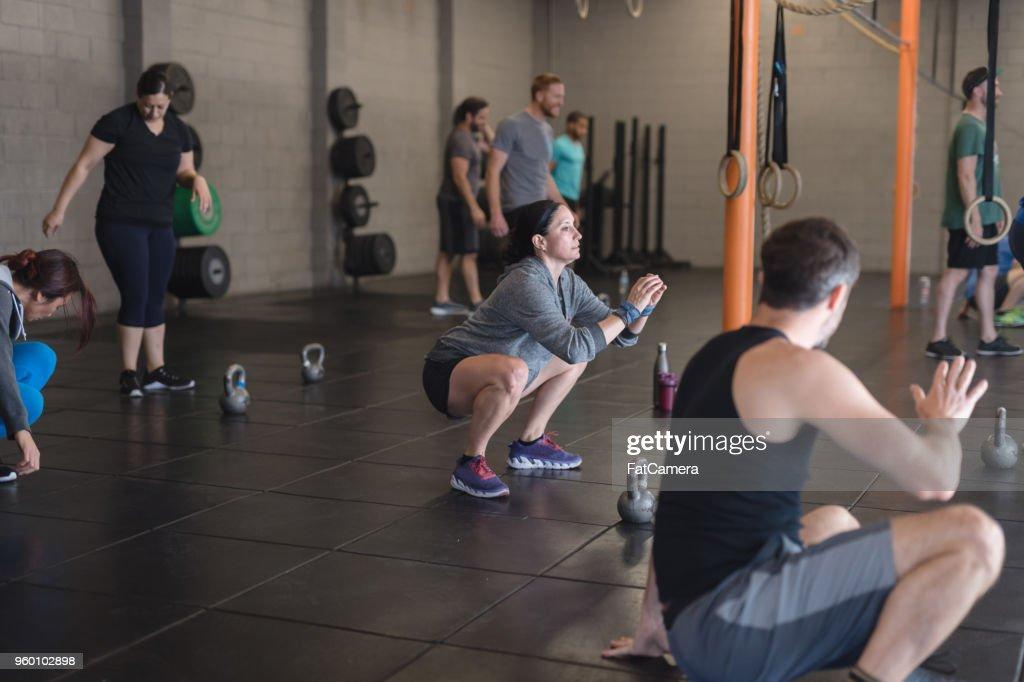 Fitness-Klasse in einen modernen Health club : Stock-Foto