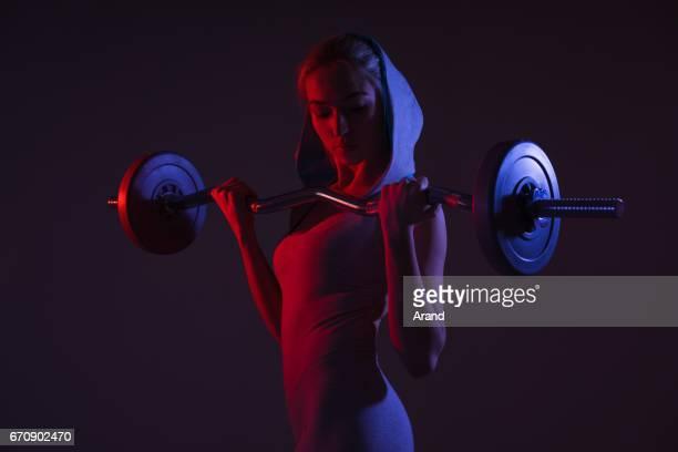 garota de ginástica - low key - fotografias e filmes do acervo
