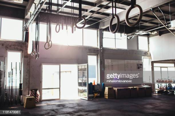 fitness gym - cross training stock pictures, royalty-free photos & images