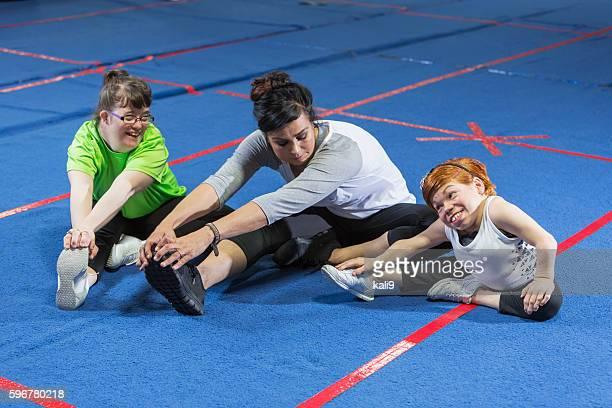 Fitness-Trainer Arbeiten mit speziellen Bedürfnissen Damen