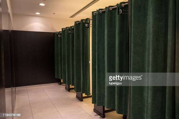 fitting room - fitting room stock pictures, royalty-free photos & images
