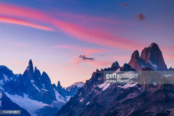 fitz roy range mountain landscape with sunset colors - los glaciares national park stock pictures, royalty-free photos & images