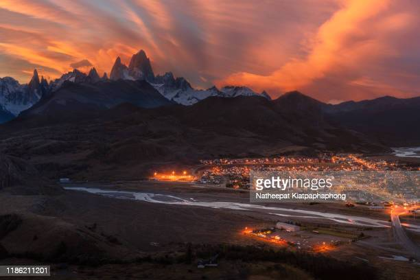 fitzroy and el chalten viewpoint - chalten stock pictures, royalty-free photos & images