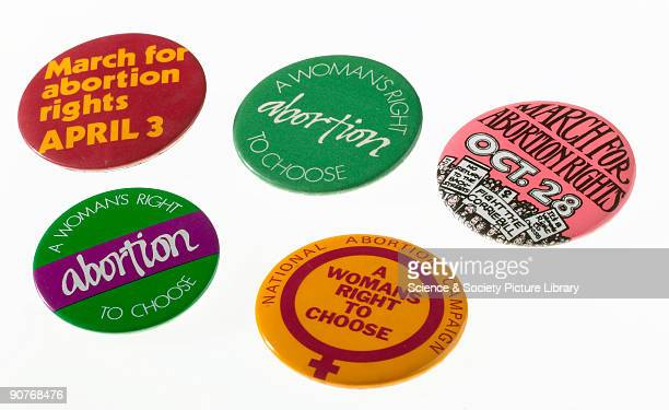 Five badges campaigning for a woman�s right to choose to have an abortion