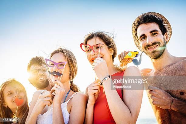Cinco amigos, uma Festa na praia