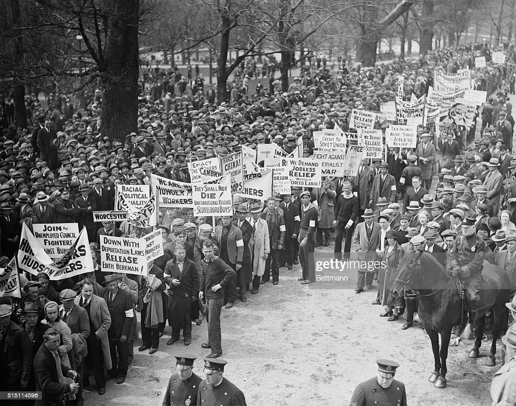 View of Hunger Marchers Protesting : News Photo