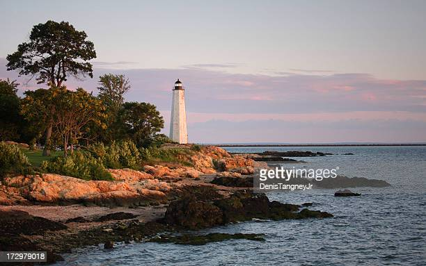 five mile lighthouse, new haven, connecticut - water's edge stock pictures, royalty-free photos & images