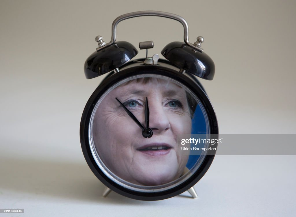 five minutes before twelve for chancellor angela merkel the photo shows a alarm clock with
