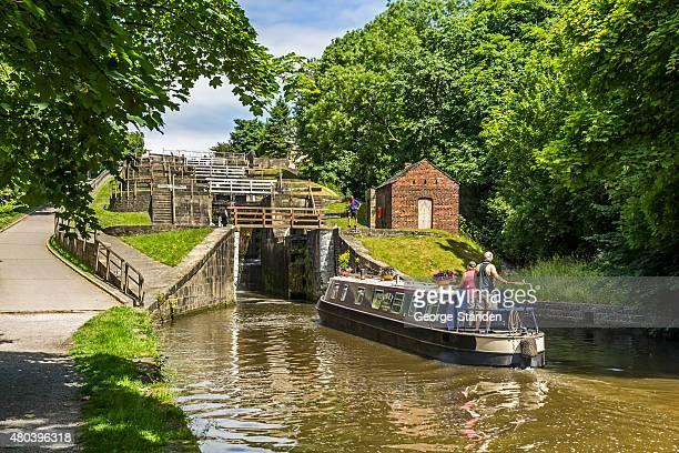 escalier de bingley yorkshire - liverpool angleterre photos et images de collection