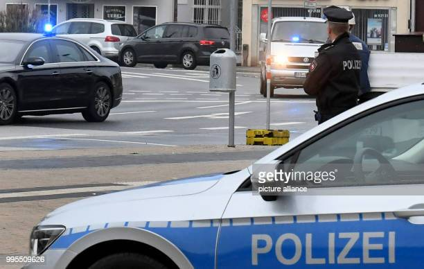 Five suspects are being driven through the city centre in a convoy with blue light to the High Regional Court of Celle Germany 26 September 2017 At...