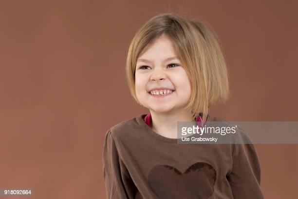 Fiveyear old girl shows her baby teeth on February 03 2018 in Bonn Germany