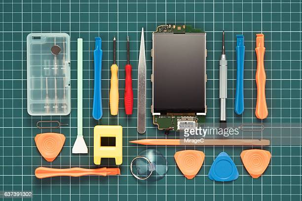 Fixing Smart Phone by Using Professional Tools