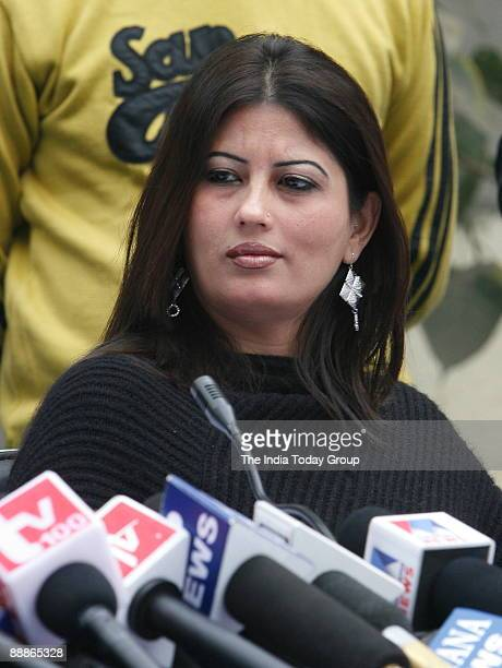 Fiza Alias Anuradha Bali wife of Chander Mohan alias Chand Mohammad, former deputy Chief Minister of Haryana addressing a Press Conference in New...