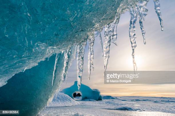 fjallsarlon glacier lagoon. iceland. - icicle stock pictures, royalty-free photos & images