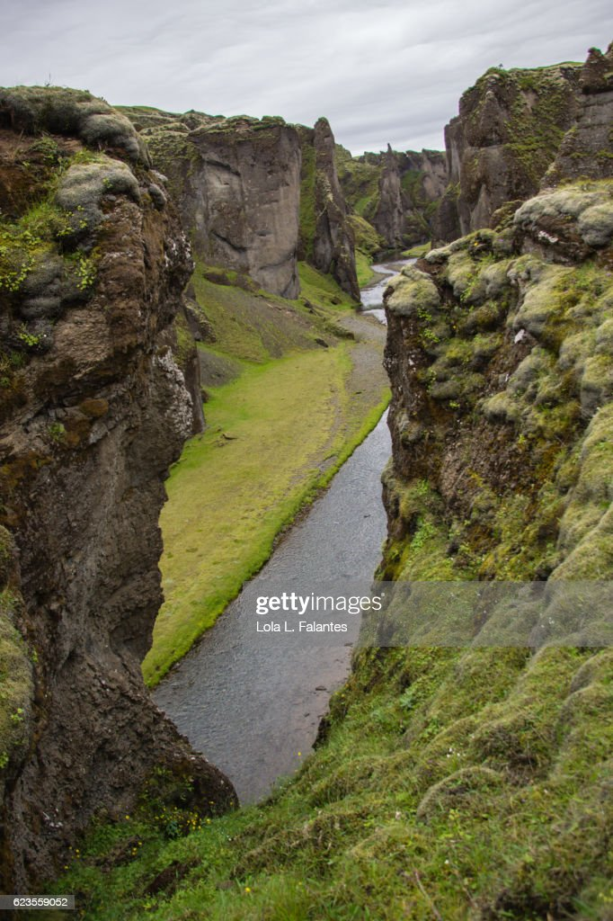 Fjaðrá river in his canyon : Foto de stock