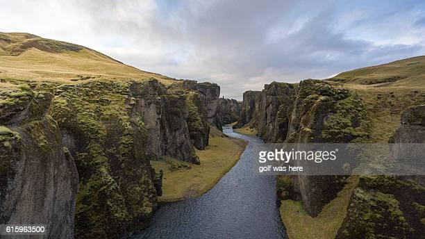 fjaðrárgljúfur - canyon stock-fotos und bilder