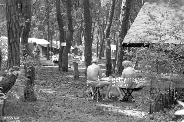 FKKAnhänger auf dem Vereinsgelände Am Zeesener See in SenzigWaldesruh liegt versteckt in waldreicher Gegend das über 60Jahre alte Paradies der...
