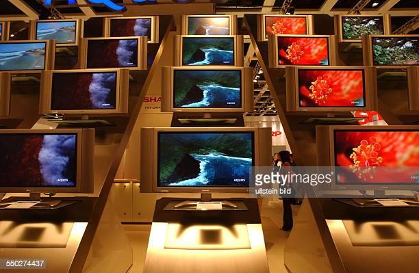 Flachbildfernseher auf der Internationalen Funkausstellung in Berlin
