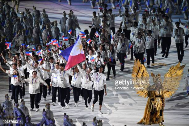 Flag bearer Jordan Clarkson of the Philippines leads delegation during the opening ceremony of the Asian Games 2018 at Gelora Bung Karno Stadium on...