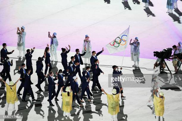 Flag bearers Yusra Mardini and Tachlowini Gabriyesos of the Refugee Olympic Team take part in the Parade of Nations during the Opening Ceremony of...