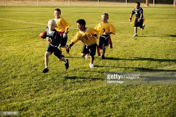fútbol de bandera de acción - rush fútbol americano fotografías e imágenes de stock