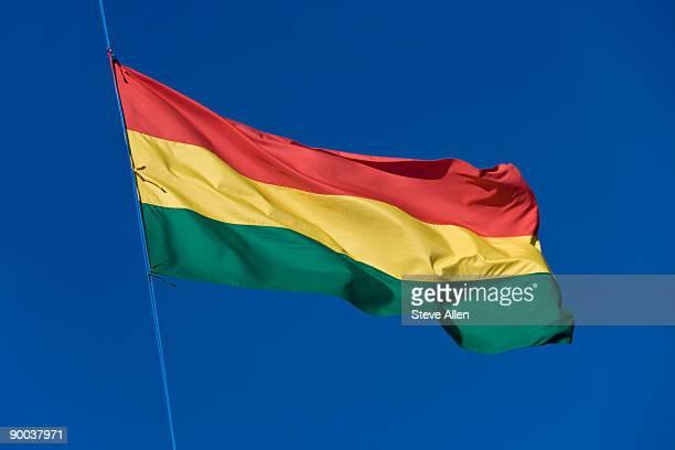 flag of bolivia  - bandera boliviana fotografías e imágenes de stock