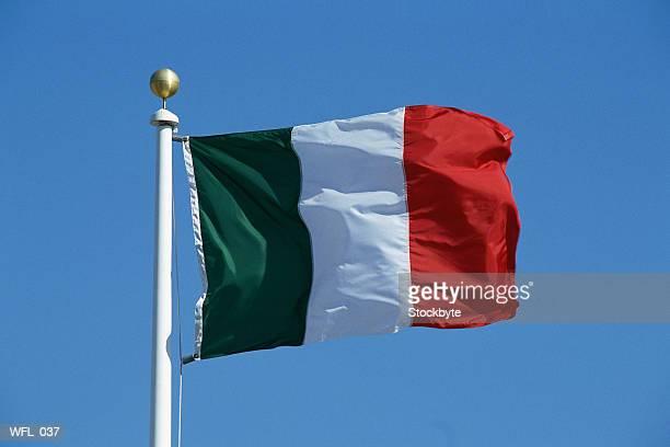 flag of italy - drapeau italien photos et images de collection