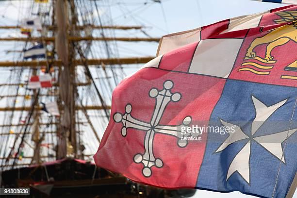 bandiera dell'italian repubbliche marinare (repubbliche marinare - amerigo vespucci nave foto e immagini stock