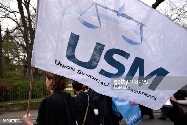 A flag of the Magistrates'union the Union Syndicale des Magistrats' The French Bar Association all lawyers' unions all magistrates' unions called all...
