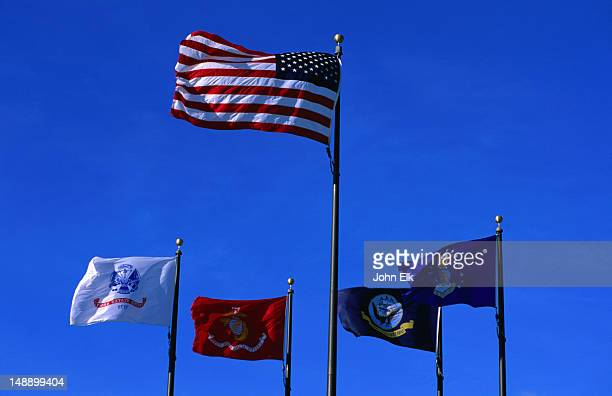 flags in american memorial park. - 北マリアナ諸島 ストックフォトと画像