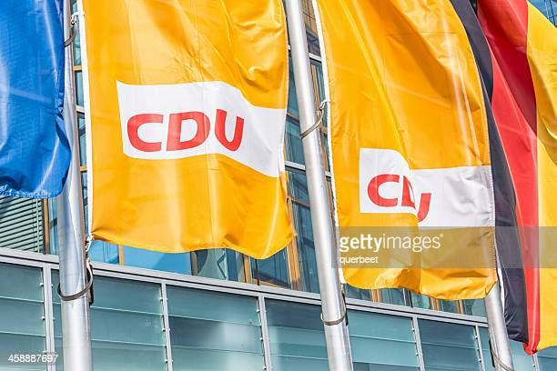 Flaggen vor der CDU headquarters (Berlin)