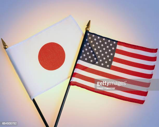 compare and contrast american and japanes