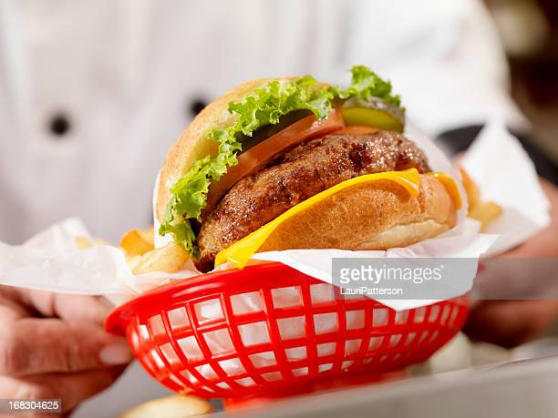 Flamme gegrillte Cheeseburger
