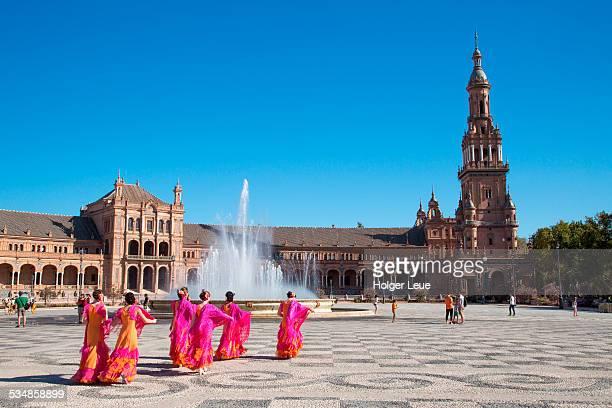 Flamenco dance group at Plaza de Espana