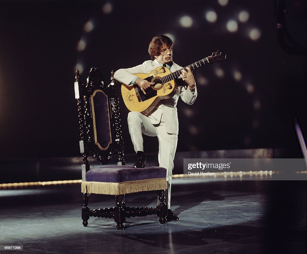 Flamenco Guitarist Manitas de Plata Dies At 93