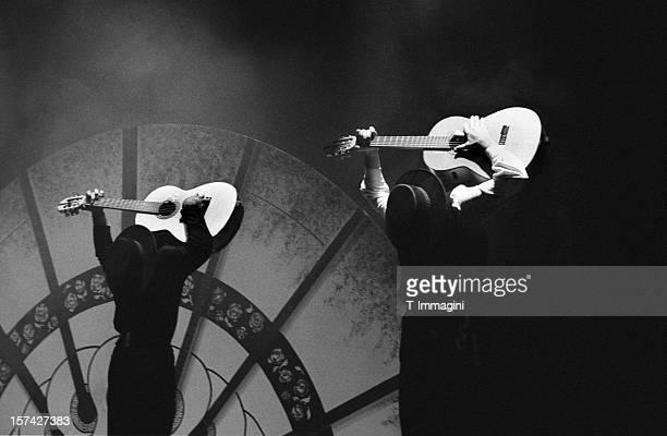 flamenco guitarists - flamenco stock photos and pictures