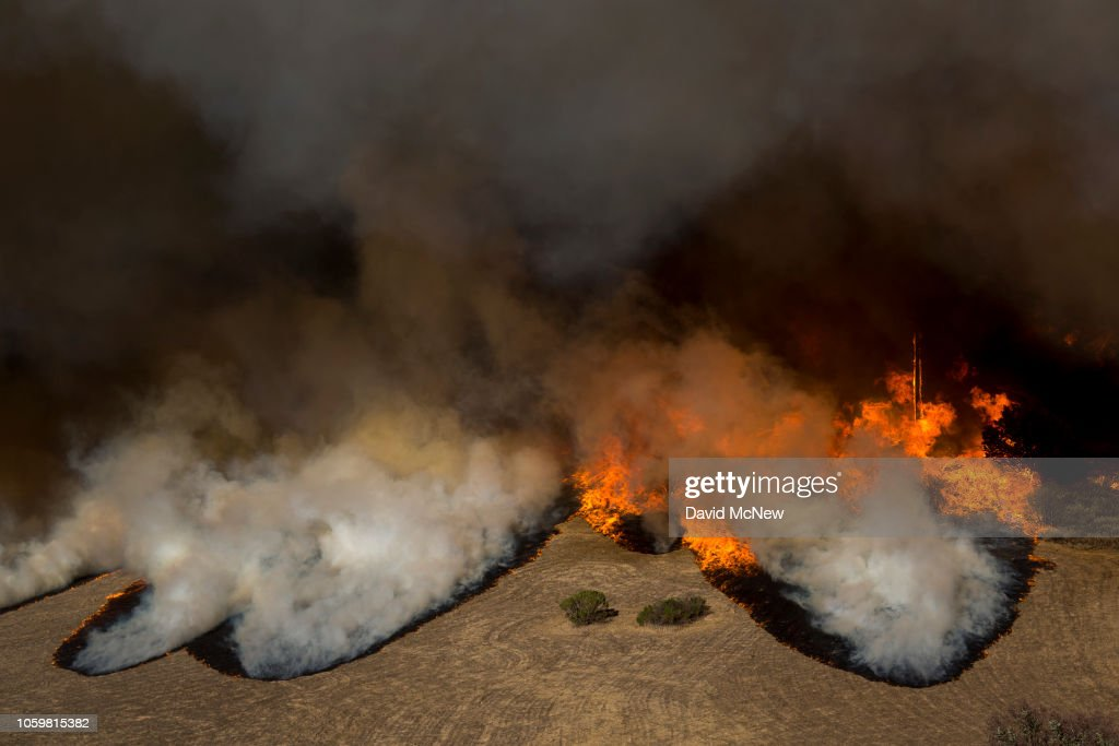 Fast-Spreading Hill Fire Forces Evacuations In California's Ventura County : News Photo