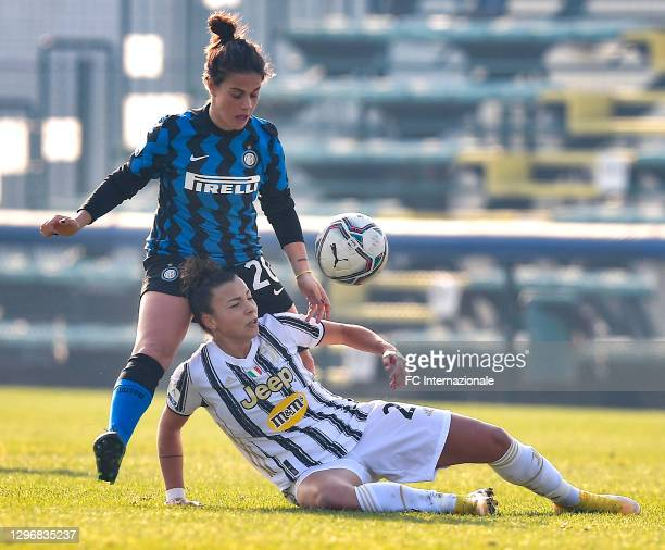 Flaminia Simonetti of FC Internazionale challenges for the ball with Tuija Hyyrynen of Juventus Women during the Women Serie A match between FC...
